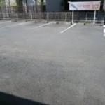 山の手店駐車場